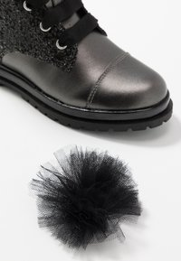 Primigi - Šněrovací kotníkové boty - asfalto/nero - 6