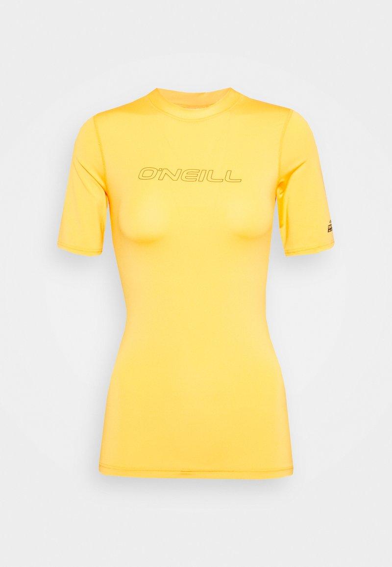 O'Neill - BIDART SKIN - Surfshirt - blazing orange