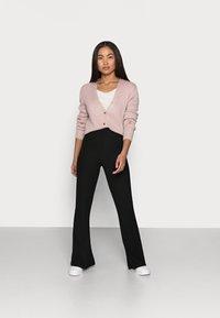 Missguided Petite - CROP CARDIGAN - Cardigan - pink - 1