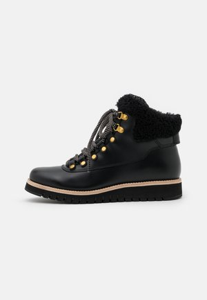ZEROGRAND EXPLORE HIKER WP - Lace-up ankle boots - black/grey
