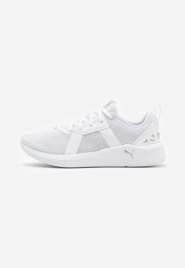 CHROMA - Sportovní boty - white/metallic silver