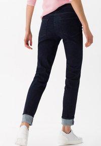 BRAX - STYLE SHAKIRA - Slim fit jeans - clean dark blue - 2