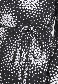 Wallis Petite - PETITE CLUSTER HEART MINI WRAP DRESS - Day dress - black - 4