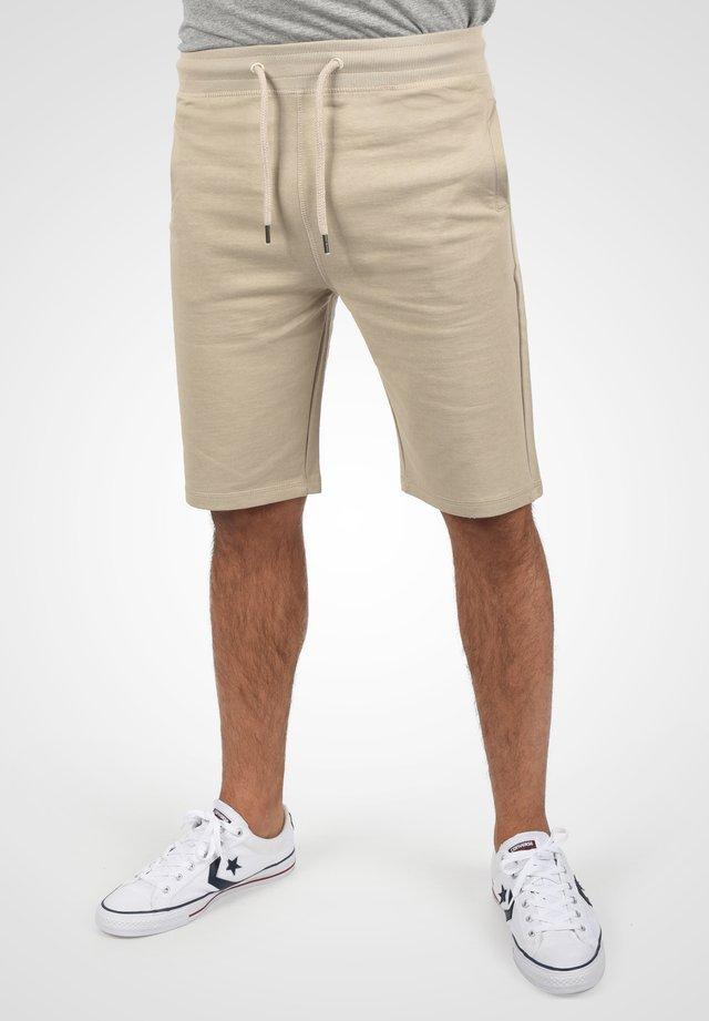 Shorts - simple tau