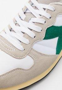 Diadora - USED - Zapatillas - white/verdant green - 5