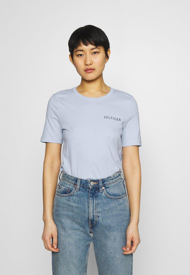 Tommy Hilfiger - REGULAR TEE - T-shirt basic - breezy blue