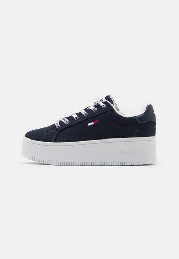 ICONIC ESSENTIAL FLATFORM - Sneakers basse - twilight navy