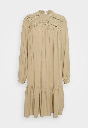 YASROTILLA SHORT DRESS ICON - Vestido informal - chinchilla