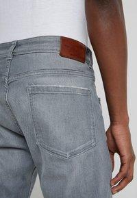 HKT by Hackett - CORE  - Straight leg jeans - grey - 5