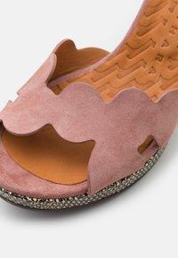 Chie Mihara - ELIS  - Sandalen met plateauzool - dali iron/shana natur - 6