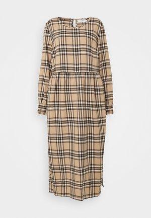 LUCY DRESS - Vestito lungo - silver mink