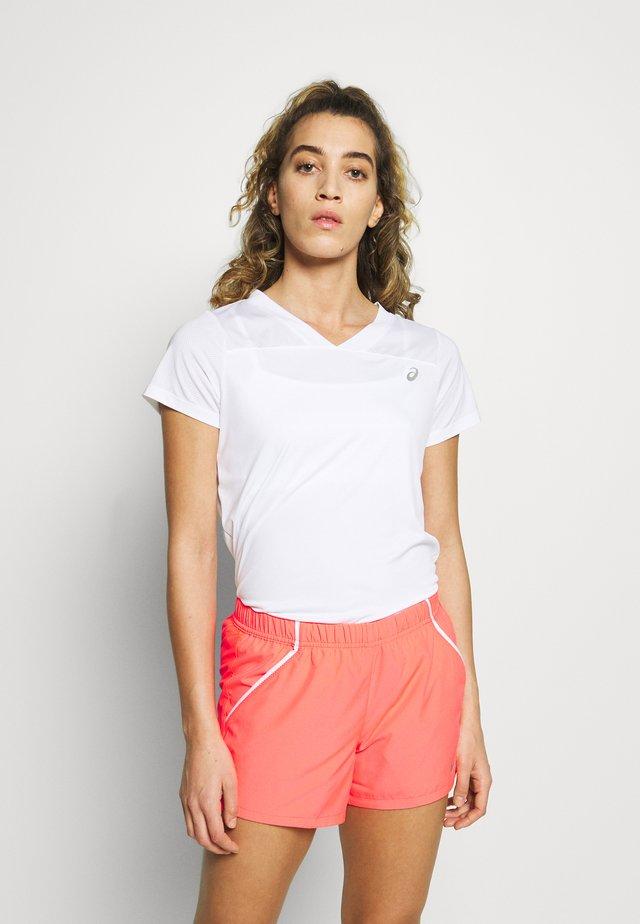 PRACTICE TEE - Jednoduché triko - brilliant white