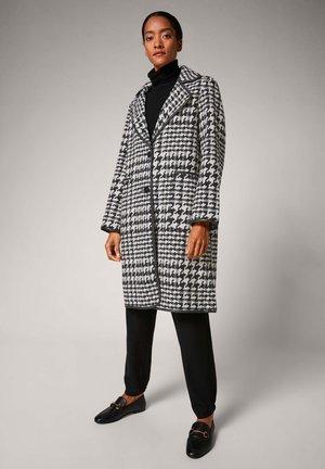 Short coat - black embroidery