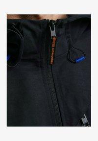 Jack & Jones - MIT KAPUZE - Training jacket - black - 1