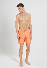 Shiwi - SNOOPY HAPPY SKATER - Swimming shorts - neon orange - 1
