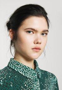 Vero Moda - VMBIBI DRESS  - Shirt dress - ponderosa pine - 3
