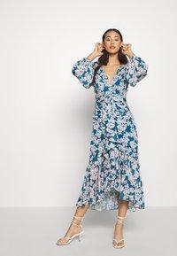 Forever New - WAIST SASH MIDI DRESS - Day dress - mottled teal - 1