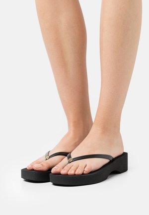 LILO - Sandály s odděleným palcem - black