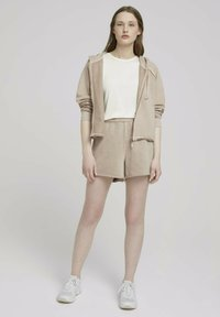 TOM TAILOR DENIM - Shorts - dune beige - 1