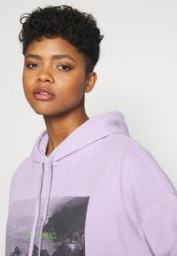 Levi's® - GRAPHIC HOODIE - Sweater - purple - 3