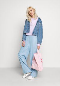 Guess - IRINA PANT - Flared Jeans - water - 1