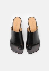 MM6 Maison Margiela - Sandály s odděleným palcem - black - 4