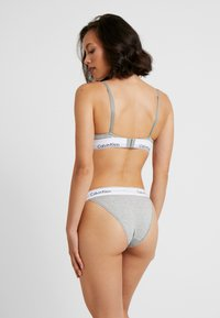 Calvin Klein Underwear - MODERN HIGH LEG TANGA - Slip - grey heather - 2