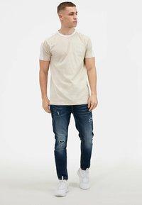Kings Will Dream - 2PACK - Print T-shirt - oatmeal / black - 6