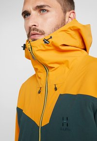 Haglöfs - STIPE JACKET MEN - Snowboardová bunda - mineral/desert yellow - 4