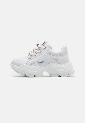 MH X BUFFALO BINARY SNEAKER - Trainers - white