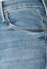 Mother - HIGH WAISTED LOOKER ANKLE FRAY SKINNY - Jeans Skinny Fit - shoot to thrill - 4