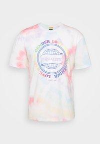 UNISEX JORSMILE TEE CREW NECK - Print T-shirt - cloud dancer