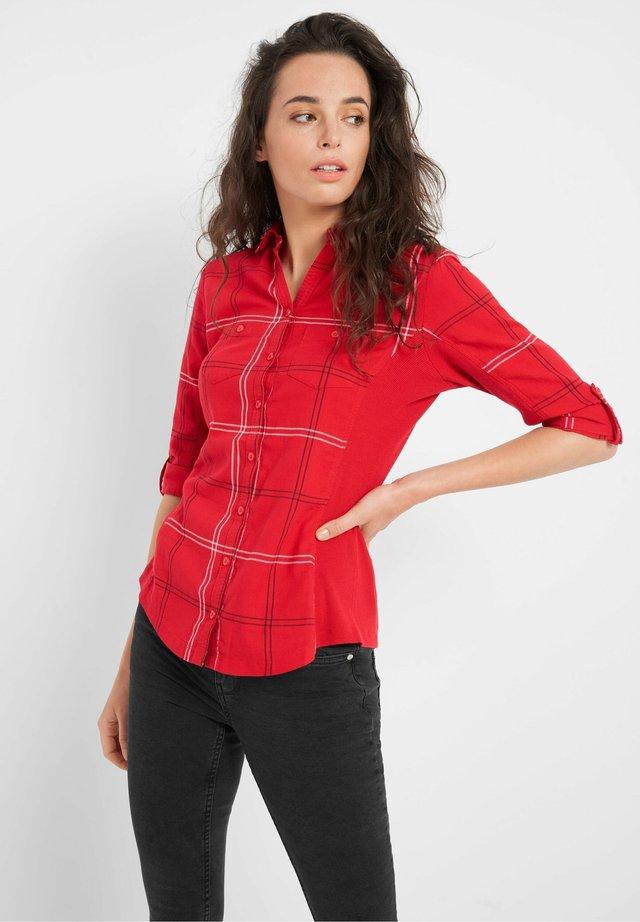 MIT KAROMUSTER - Button-down blouse - fuchsrot
