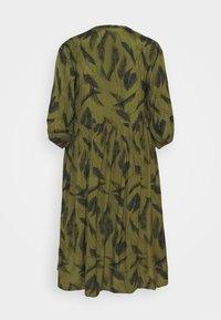 Kaffe Curve - DARLA DRESS - Vapaa-ajan mekko - capulet olive - 1