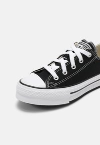 Converse - CHUCK TAYLOR ALL STAR PLATFORM UNISEX - Sneaker low - black/natural ivory/white - 6
