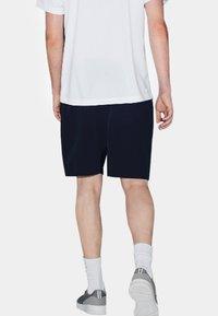 Lacoste Sport - Sports shorts - marine - 2