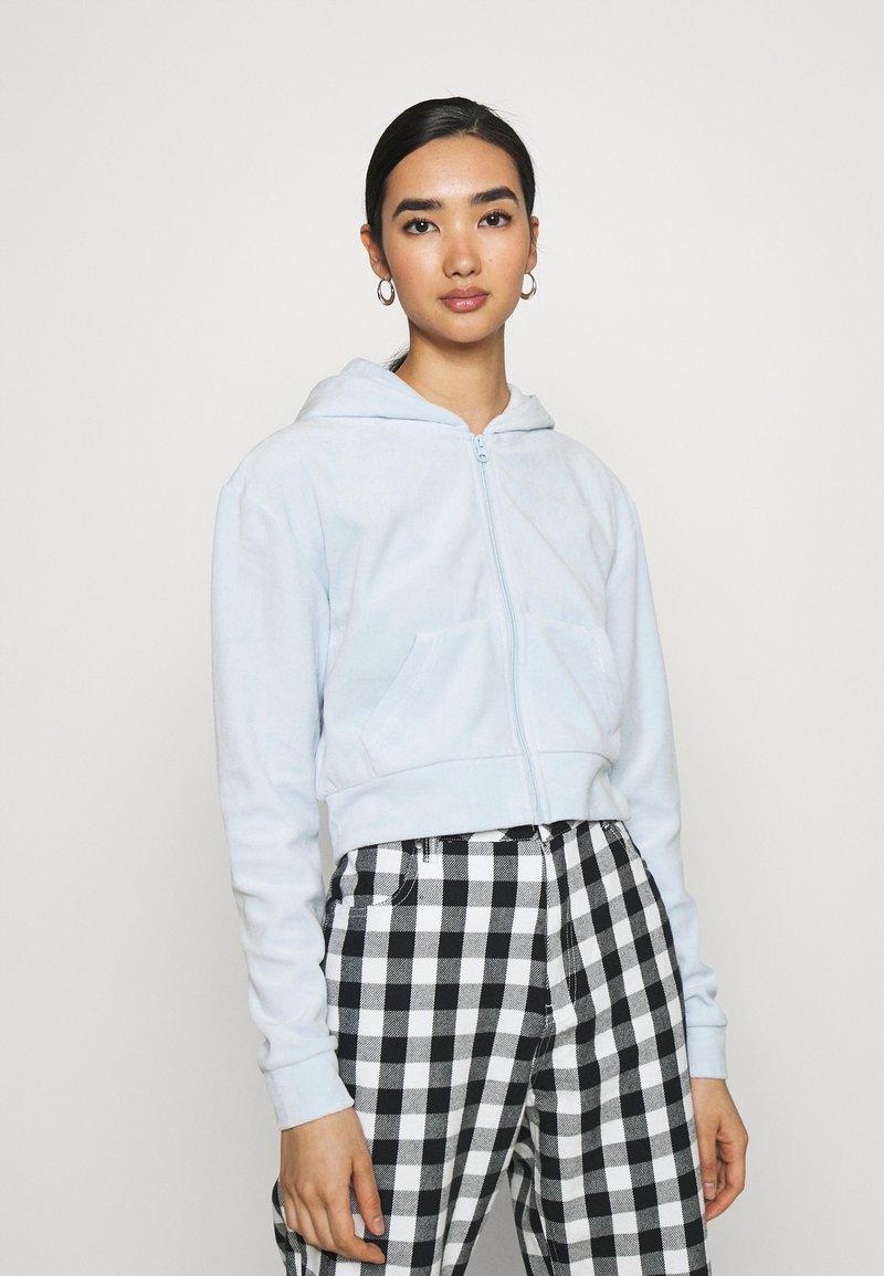 Weekday - JUNO ZIP HOODIE - Zip-up hoodie - baby blue