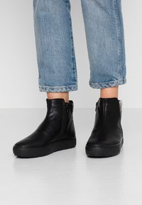 Vagabond - BREE - Ankle boots - black - 0