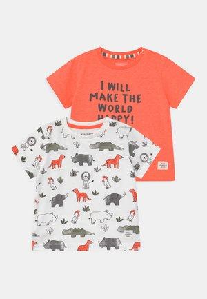 2 PACK - T-shirt print - multi-coloured/orange