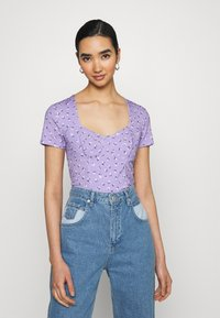 Monki - MINNIE - Camiseta estampada - purple - 0
