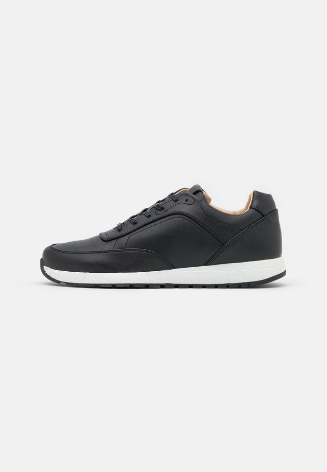 MALIN VEGAN - Sneakers laag - black