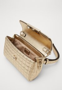 Guess - MATRIX XBODY BELT BAG - Marsupio - gold - 5