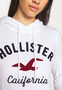 Hollister Co. - TERRY TECH CORE - Bluza z kapturem - white - 6