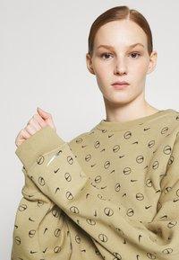 Nike Sportswear - CREW - Sweatshirt - parachute beige - 4