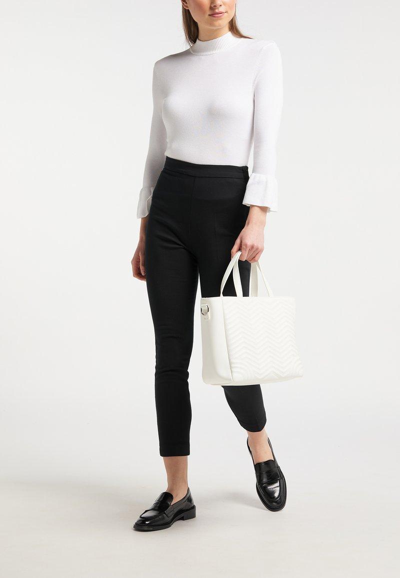 usha - Handbag - white
