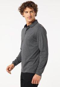 Pierre Cardin - GESTREIFT - Polo shirt - schwarz - 5