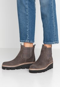 Gabor - Wedge Ankle Boots - wallaby - 0