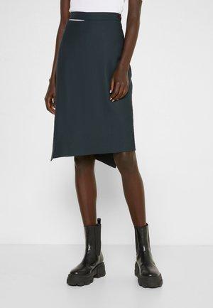 LOOSE INFINITY SKIRT - Pencil skirt - green