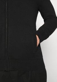 GAP - MOCK NECK - Jersey de punto - true black - 5