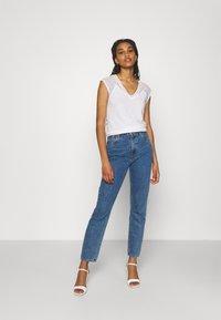 Morgan - DELAN - Print T-shirt - off white - 1